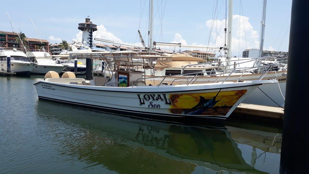 32´ Loyal Sea - SUPER PANGA WITH BATHROOMMAX ANGLERS: 8ENGINES: TWIN4 HOURS: $290 USD6 HOURS: $4208 HOURS: $