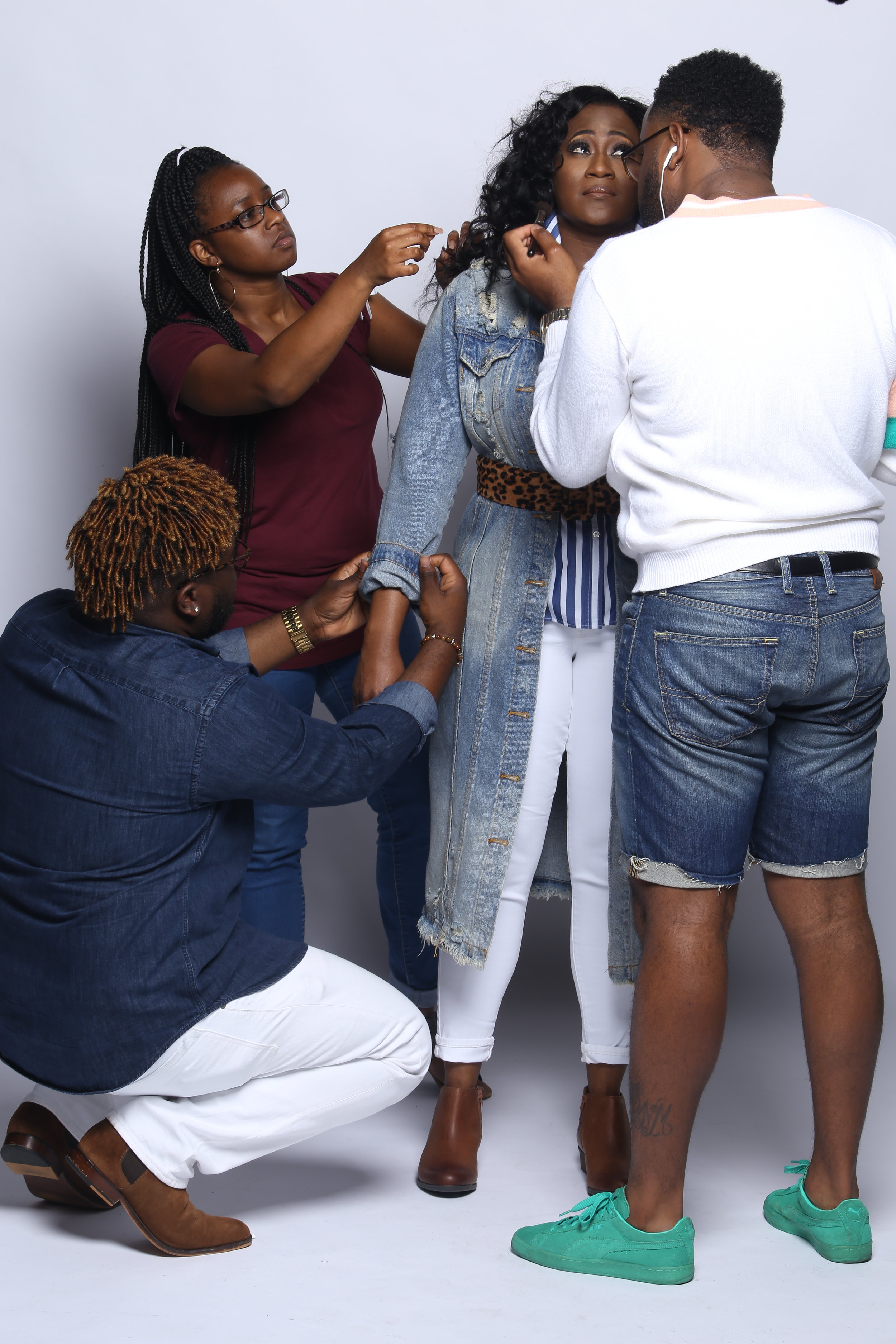 Shoot Service fee $200 - The work doesn't stop at putting the outfit together. During a photoshoot there is a lot of preparation that goes on before, during, and after. This fee is automatically added for photoshoot sessions.