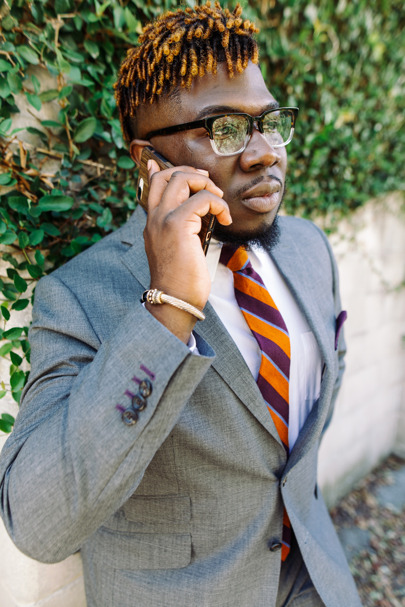 30 for 30 - Thirty for thirty is like a stylist hotline. Fashion Mr. will assist you virtually (Skype, FaceTime, Text) up to thirty mins for thirty dollars.