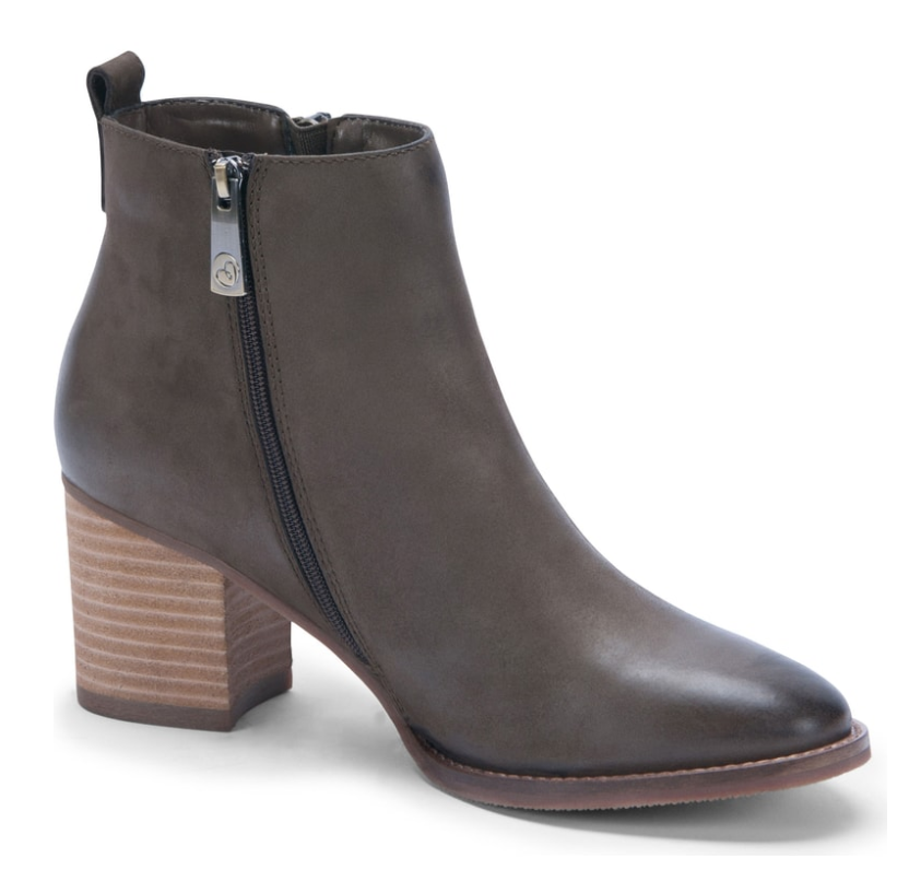 Love the fact that these are waterproof. Perfect for fall and winter and not too high.