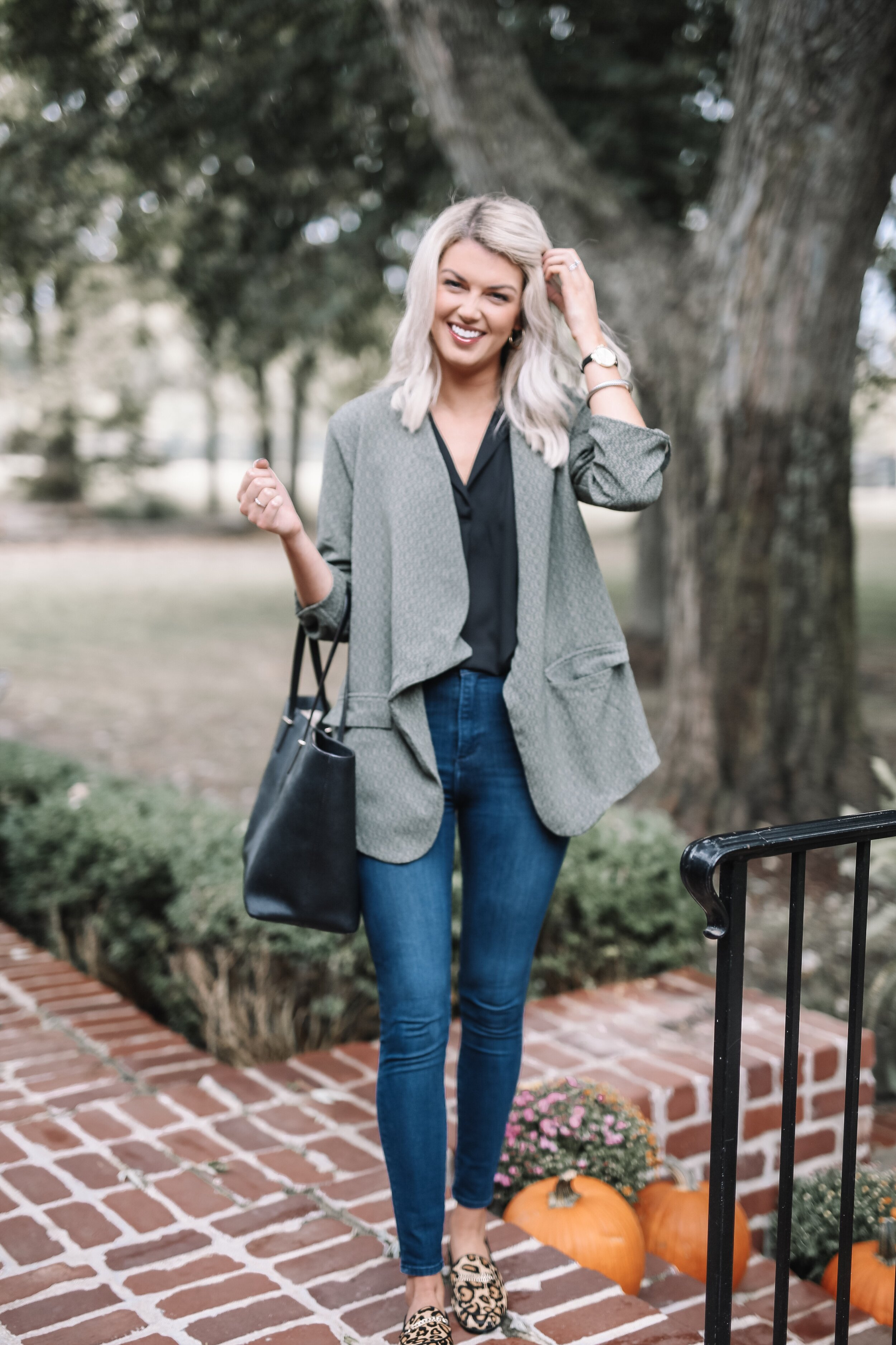 Wearing a size small in this gorgeous Blazer and collard black tank.