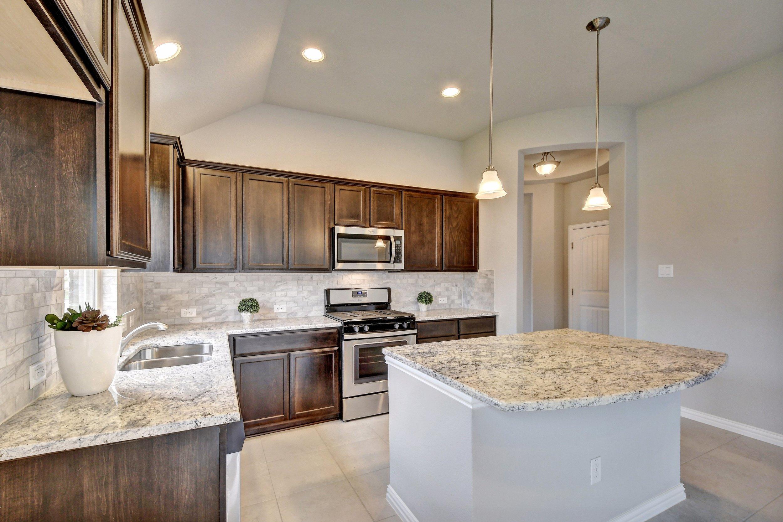 014-250445-Kitchen and Breakfast 248_5660277.jpg