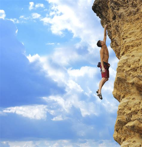alex honnold one hand.jpg