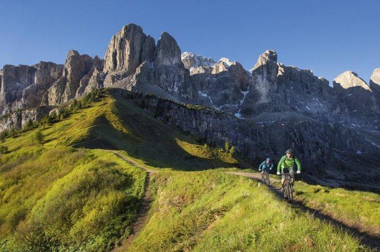 biking Dolomites 5.jpg