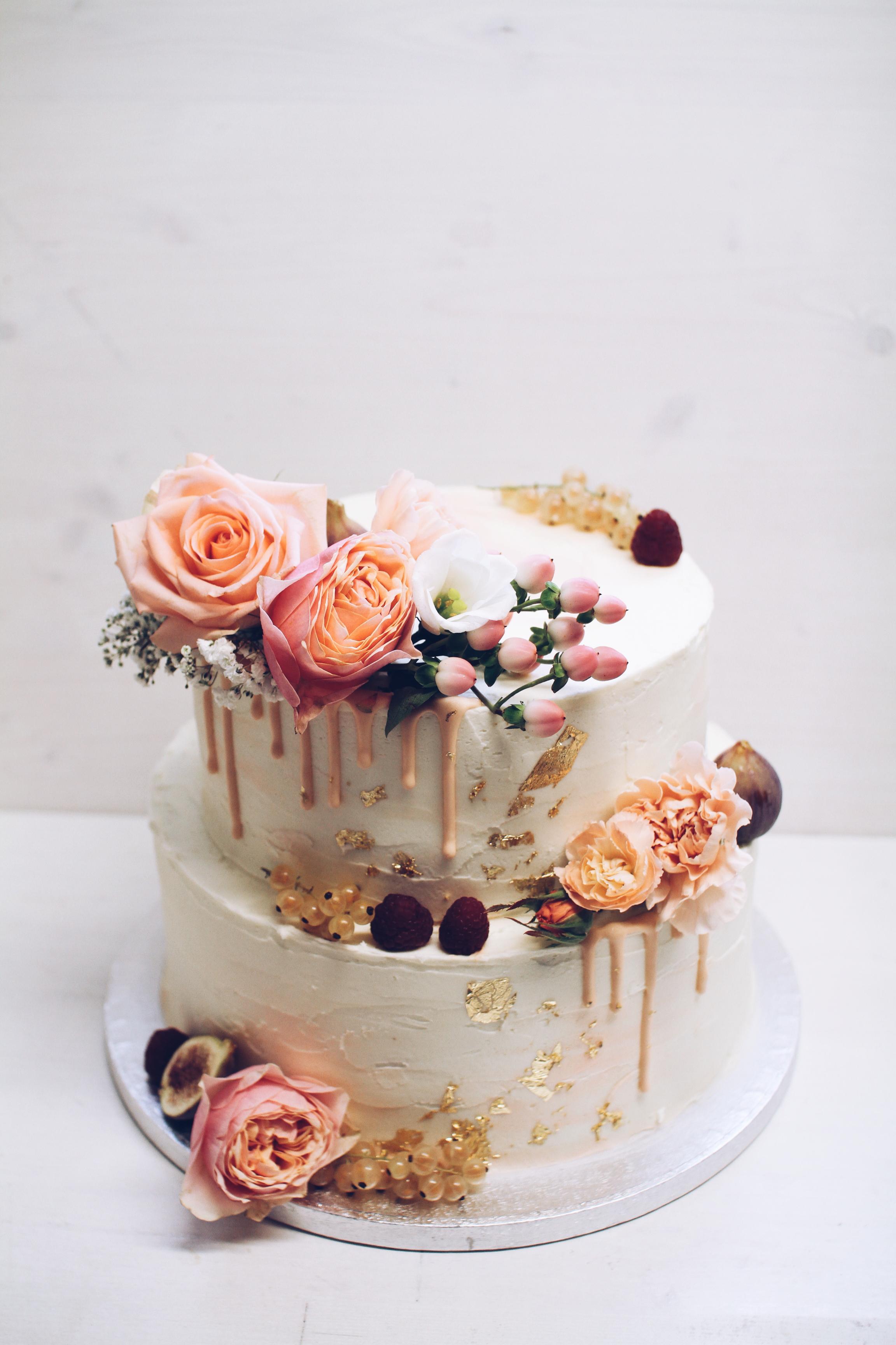 Copy of Moderna dripping torta.