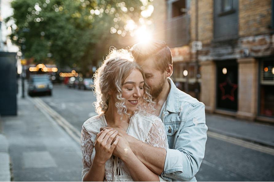 urban_boho_engagement_couple_photoshoot_London-15.jpg