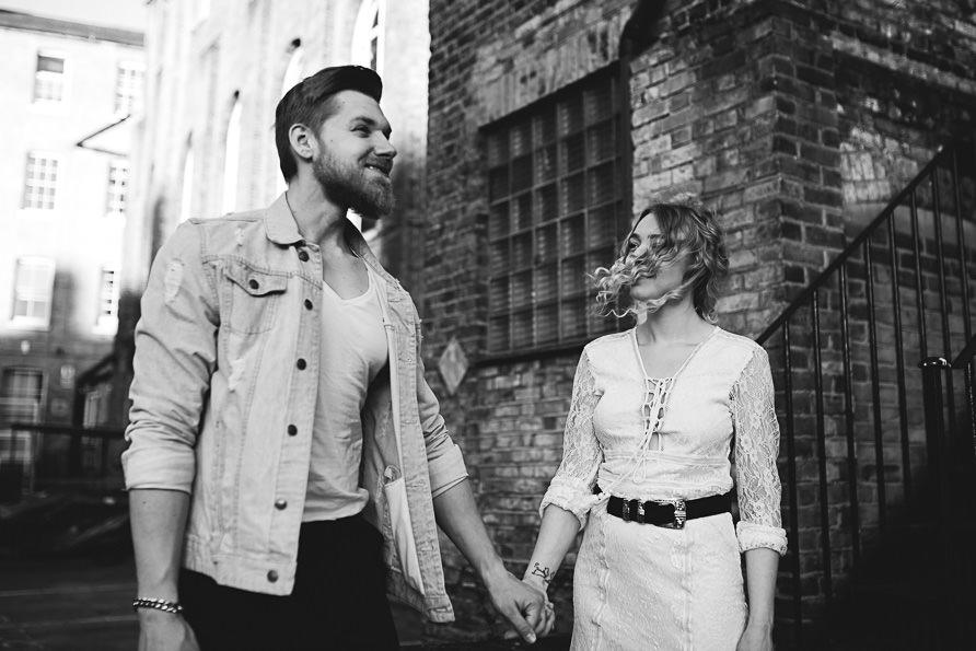 urban_boho_engagement_couple_photoshoot_London-17.jpg