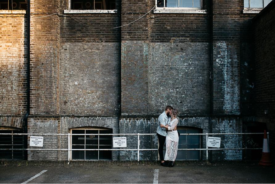 urban_boho_engagement_couple_photoshoot_London-18.jpg