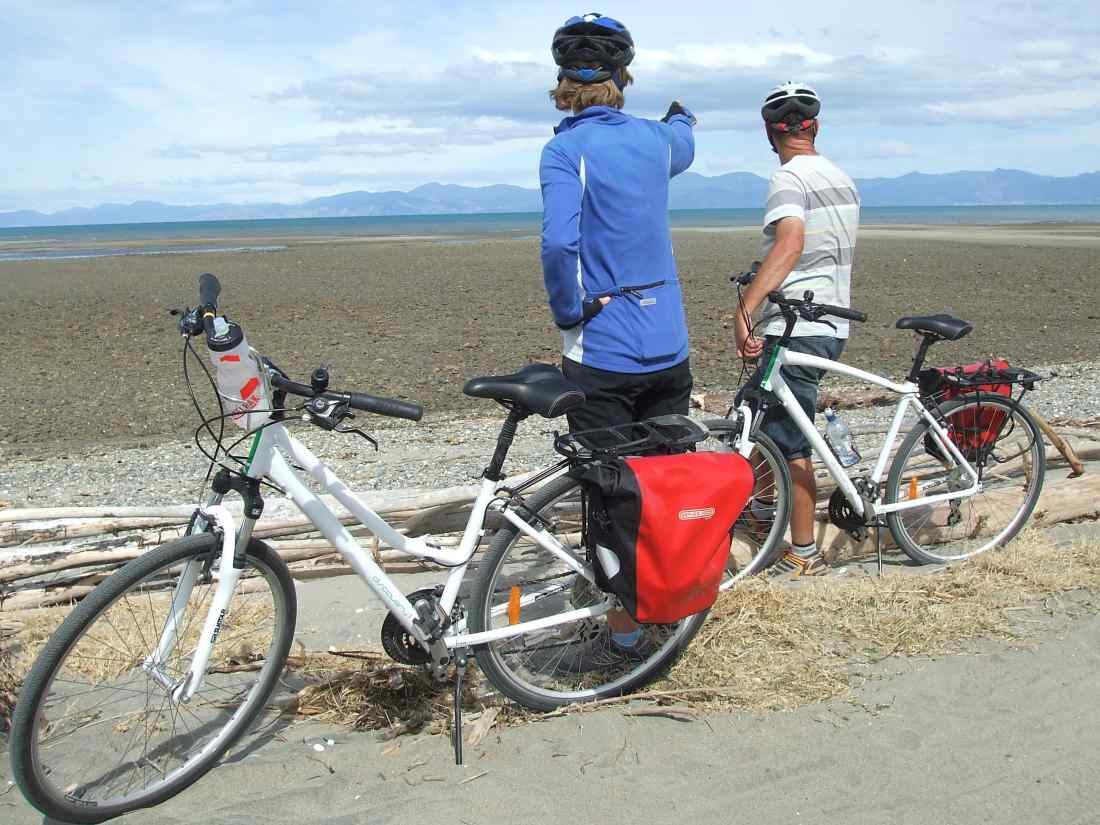 Coastal Classic - 3 days from $575 NZDMapua - Motueka - KaiteriteriA family-friendly ride, featuring a ferry built for bikes, apple orchards lots of cute cafes and Kaiteriteri, the gateway to the Abel Tasman National Park.