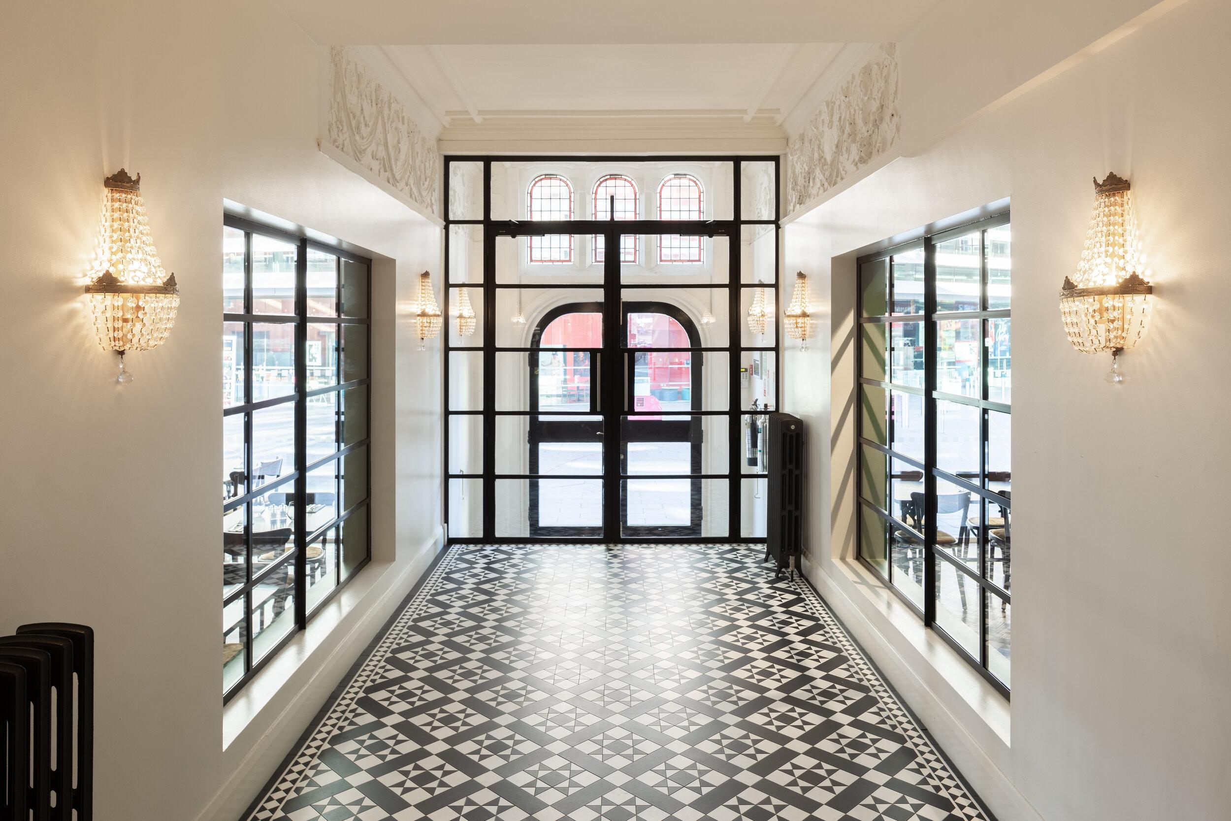 Entrance Queen Victoria  Arts Club