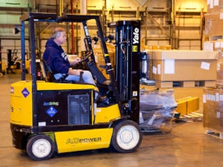 Fuel Cell Forklift.jpg