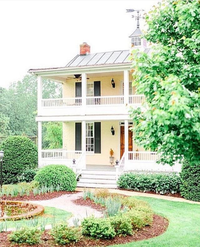 Isn't our Smith House charming? We sure think so 🏡 ⠀⠀⠀⠀⠀⠀⠀⠀⠀ ⠀⠀⠀⠀⠀⠀⠀⠀⠀⠀⠀⠀⠀⠀⠀⠀⠀⠀ It's named for Mrs. Smith who lived in the house from birth to late in her 90s, she was a local and popular piano teacher. The house was originally built in 1865 and was part of a 100-acre farm located approximately a mile from where Antrim is located. In 1992, after the property was sold for commercial use, our owners, Richard and Dorothy Mollett relocated the house to the estate in an effort to rescue it from being demolished and used it as their residence allowing them to open additional rooms for hotel guests in the mansion. The Smith House was later converted to guestrooms in 1998. ⠀⠀⠀⠀⠀⠀⠀⠀⠀ ⠀⠀⠀⠀⠀⠀⠀⠀⠀⠀⠀⠀⠀⠀⠀⠀⠀⠀ Photo Credit:⠀⠀⠀⠀⠀⠀⠀⠀⠀ 👰🏼Kelsey + Mckenzie | May Wedding | 📷 @briandwesphotography | 🏢@Antrim1844⠀⠀⠀⠀⠀⠀⠀⠀⠀ ⠀⠀⠀⠀⠀⠀⠀⠀⠀ #antrim1844 #historichotel #historichotels #historichotelsofamerica (@historichotels) #thisplacematters #tellthefullstory (@savingplaces) #taneytownmainstreet #forbestravel #ForbesTravelGuide #beautifulhotels #beautifulhotelsoftheworld #luxuryhotel #luxuryhotelsworld #luxuryhotelsoftheworld #eleganthotel #marylandhotels #marylandbedandbreakfast #bedandbreakfast  #frederickmaryland #weddingdestination #destinationwedding #fairytalewedding #luxuryhotels #hotelstyle #hotelboutique #treatyourself #historichotel #visitmaryland (@visitmaryland) #visitfrederick (@visitfrederick)