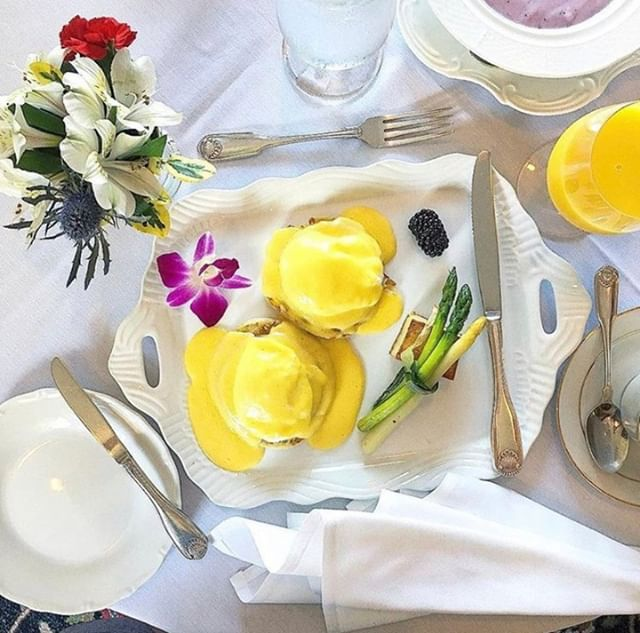 Creating a perfect start to your morning getaway 🍳 ☀️ ⠀⠀⠀⠀⠀⠀⠀⠀⠀ ⠀⠀⠀⠀⠀⠀⠀⠀⠀ ⠀⠀⠀⠀⠀⠀⠀⠀⠀ ⠀⠀⠀⠀⠀⠀⠀⠀⠀ #antrim1844 #forbestravel #ForbesTravelGuide #nytimestravel #beautifulhotels #beautifulhotelsoftheworld #luxuryhotel #luxuryhotelsworld #luxuryhotelsoftheworld #eleganthotel #marylandhotels #marylandbedandbreakfast #bedandbreakfastit #bedandbreakfastqualityoflife #bedandbreakfast PC: @tripveel