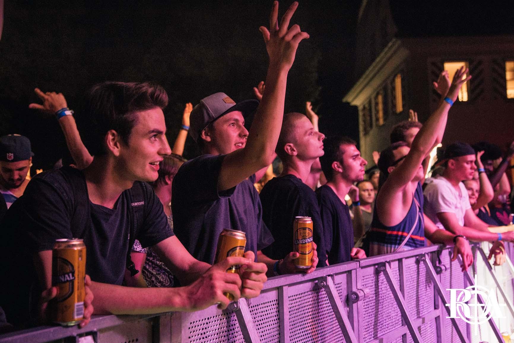 Obwaldner Abig - Am Freitag eröffnen wir das Rapattack-Weekend auf dem Landenberg mit dem Obwaldner Abig. Ab 17:00 Uhr stehen euch die Türen zur Opening Party offen und Einlass ist ab 16 Jahren. Geniesst den Ausblick in die Berge mit einer Chäässchnitte und einem Kaffi Schnaps, während unsere DJ's euch mit gutem Hip-Hop richtig auf den Festivalsamstag vorbereiten.