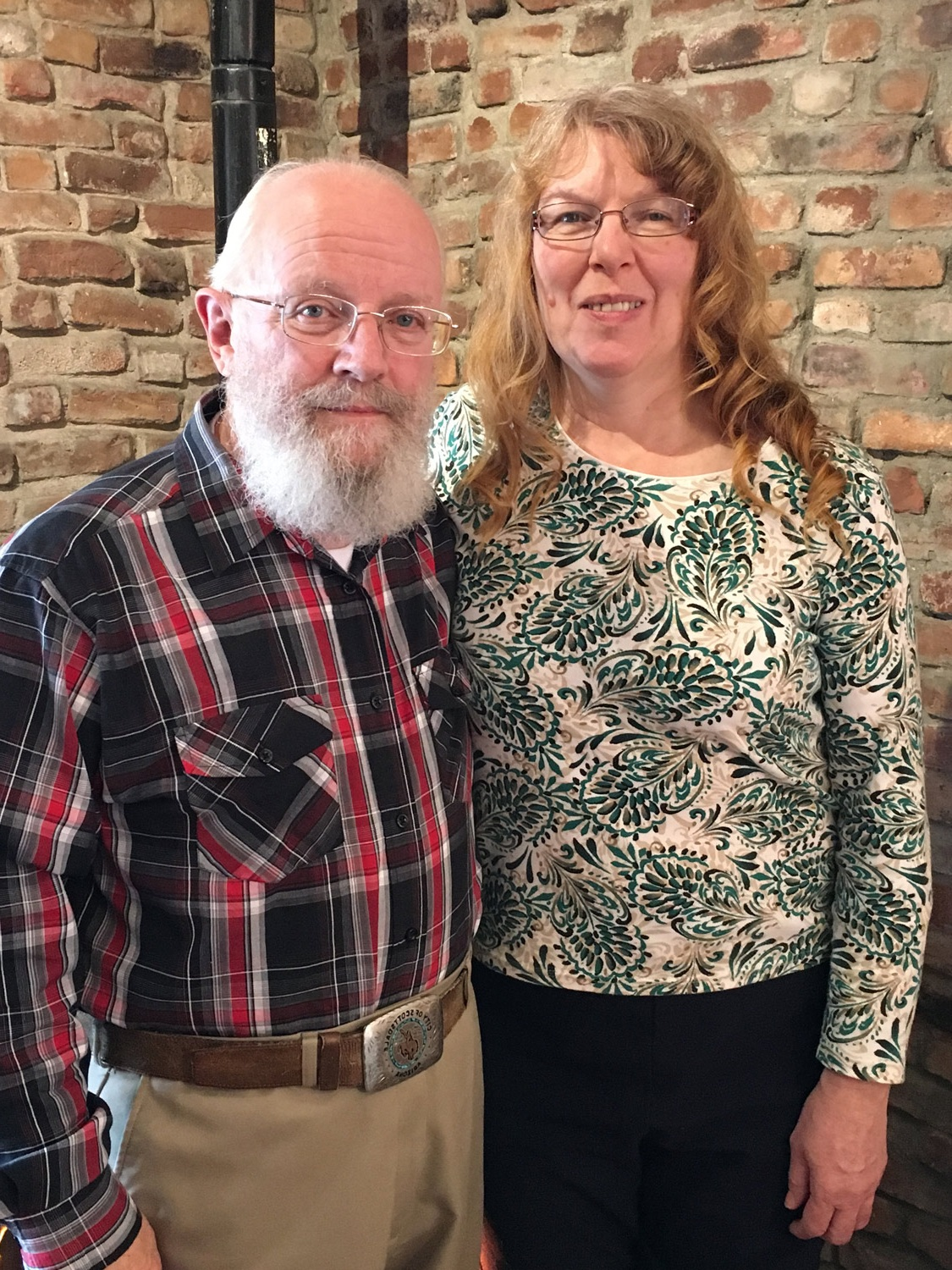 Pastors-Elliot-and-Mary-Jo-Oakes.jpg
