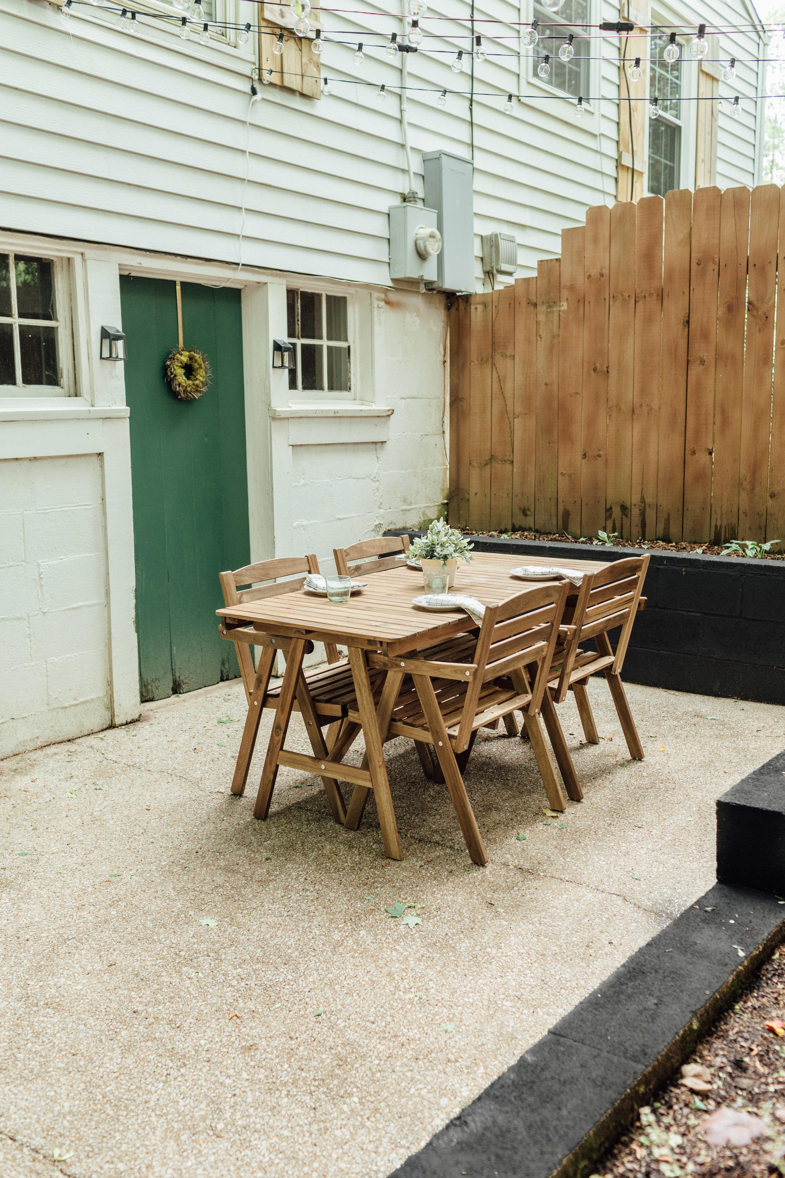 backyard003.jpg