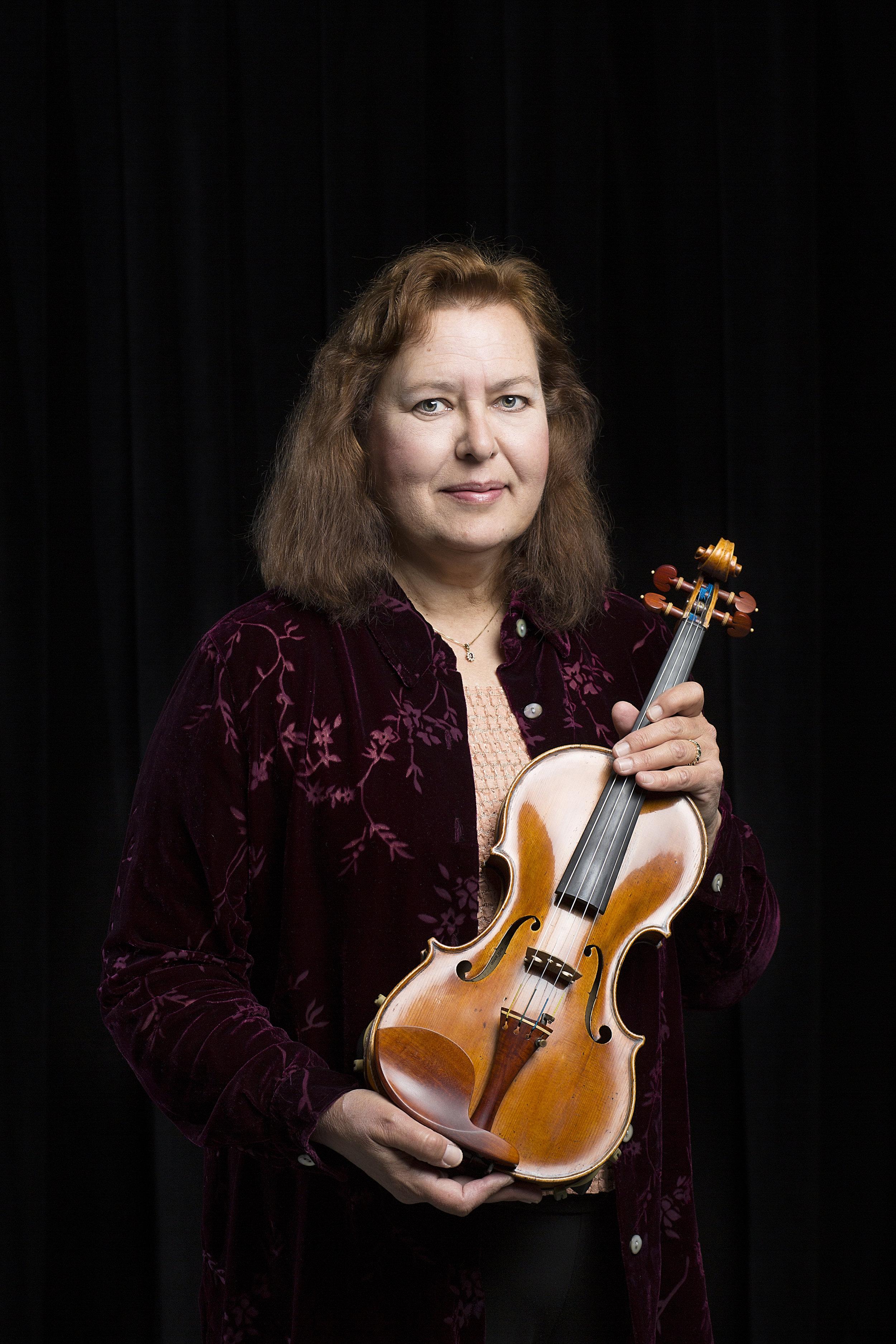 Victoria Noyes - Violin
