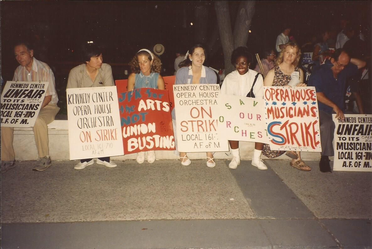 KCOHO musicians on strike in 1993