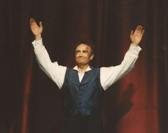 Carreras taking a bow after performing the title role in the opera Sly