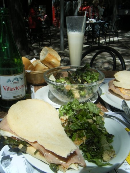 mendoza-lunch.jpg