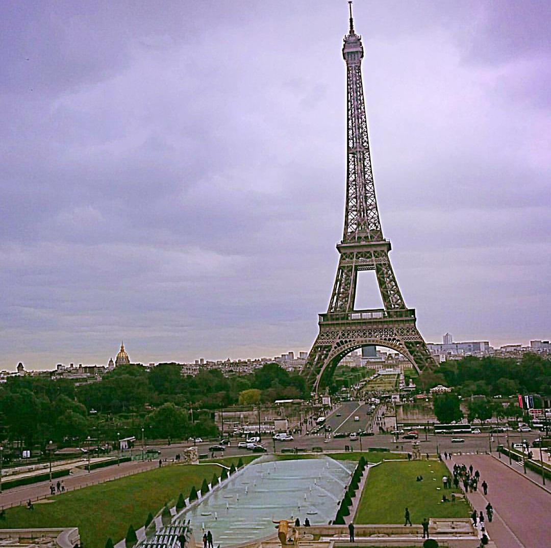 beautiful-view-of-eiffel-tower.jpg