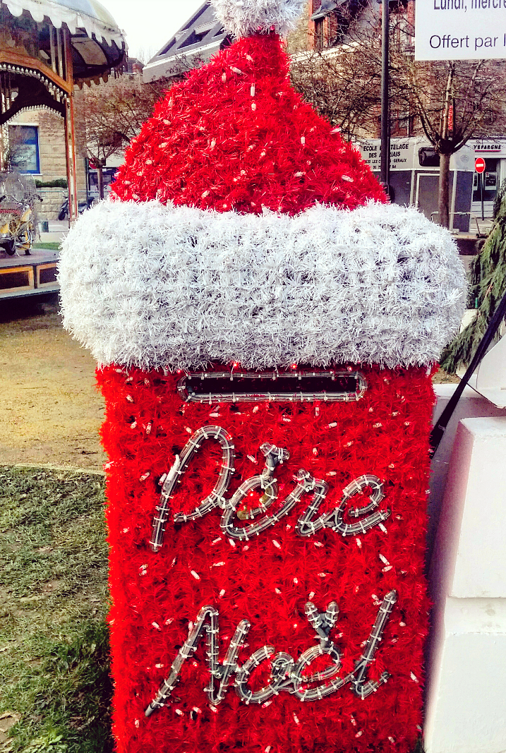 Exclusive mailbox for letters to Santa - Dinard, France