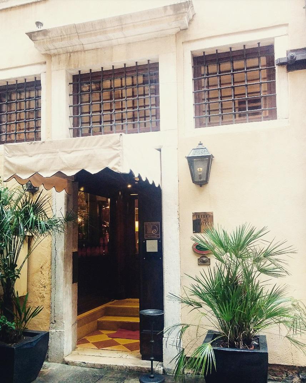 Duodo Palace Hotel.jpg
