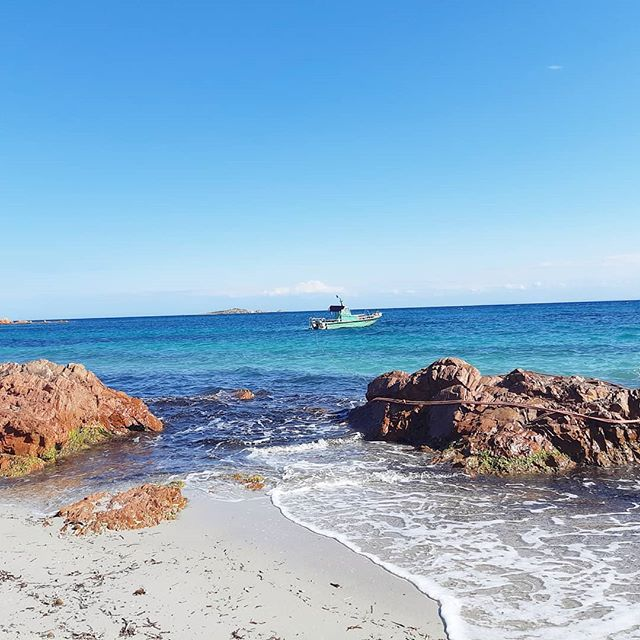 S U N N Y  D A Y S 🔹️ I don't know about you,  but sunny days bring me everything I need and more! 🔹️ Warmer weather is finally here in France and I will be outside basking in the sun all day. 🔹️ This shot was taken at a beautiful beach in the south of Corsica. The best time to go is in May/June or September to beat the crowds for the best views. 🔹️ Where are you enjoying sunny days? . . . . . #gogetinspiredby #sunnydays #sunfordays #corsica #imtb #corse_ile_de_beaute #lovelife #itsthelittlethings #vitaminsea #weekendgetaways #prettylittletrips #ig_world_colors #influenceuse #traveloften #blueskiesandsunshine