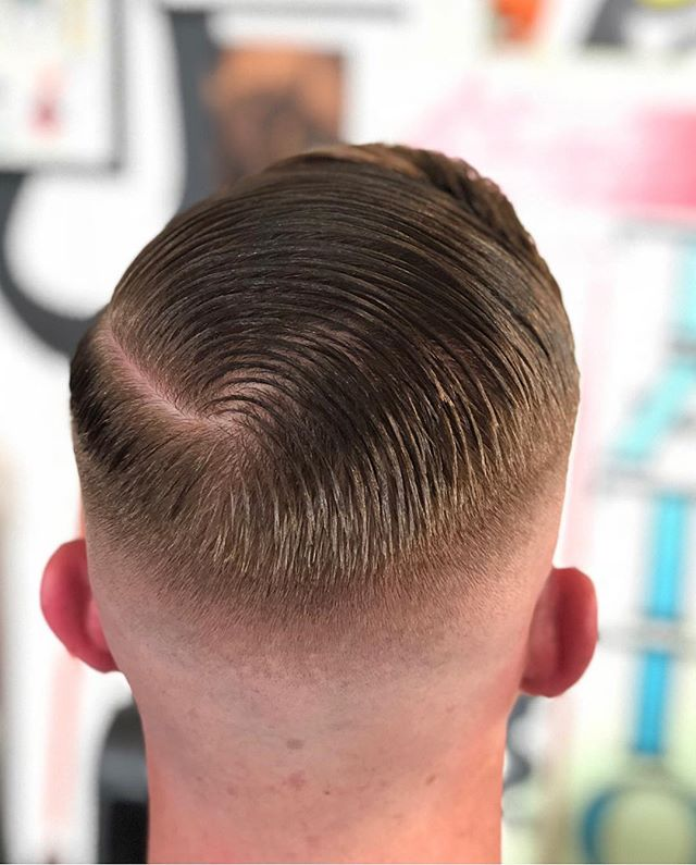 Crisp natural part by @_mikeyroots , styled using @prospectorspomade . Drop in for a cut and pick up a can of their Hemp oil enriched pomade 👍🏽