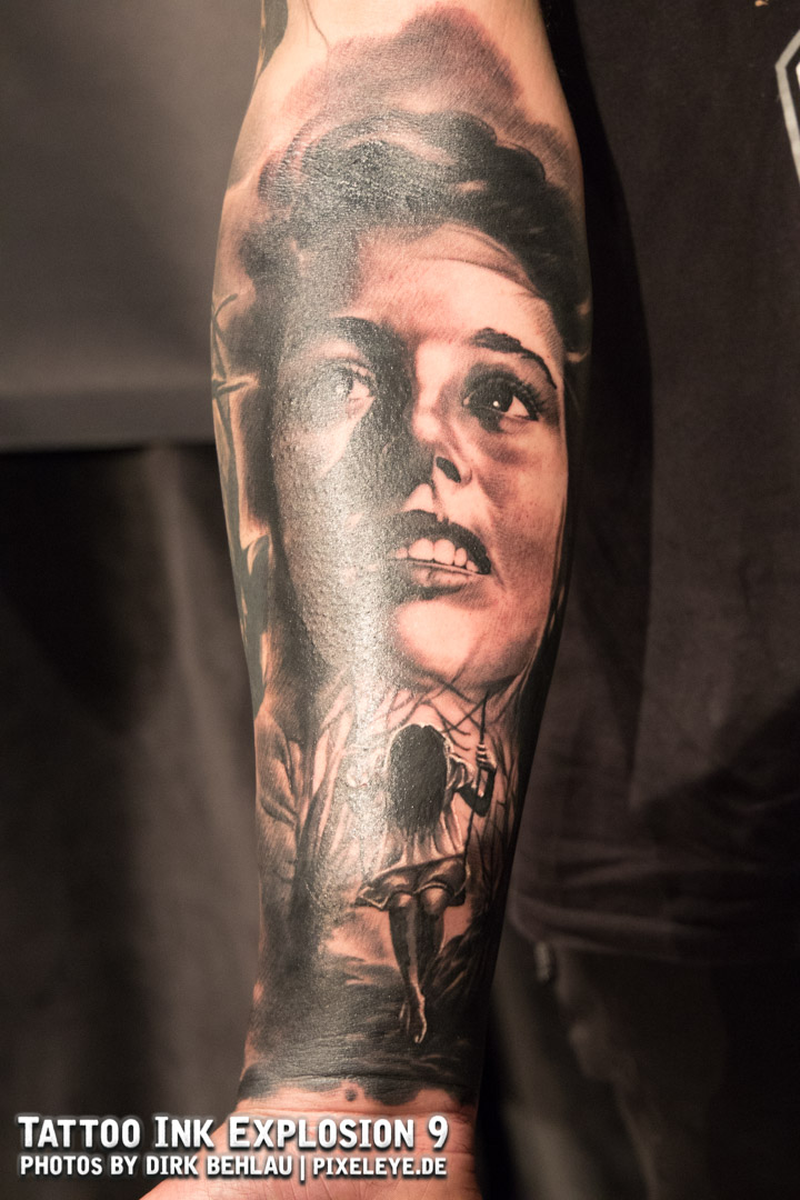 BestBlackAndGrey_Platz1_TonyKreutz_DarkGrey_Tattoo2.jpg