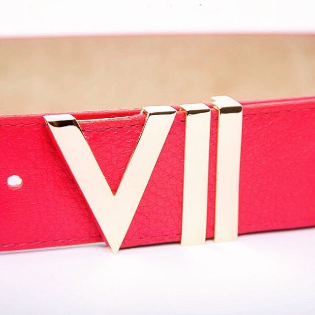 Drip Down💧 #luxurybelt #goldbuckle #redleather #fashion #style #viicollection www.viicollection.com