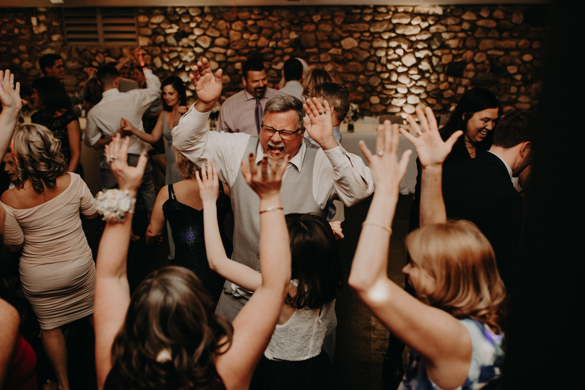 guests dancing at castle farms wedding