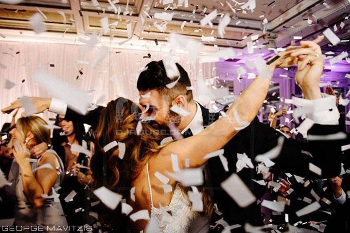 des canons confettis utilisés pour créer un moment Énergétique, explosif, le tout pour donner le ton à votre soirée.
