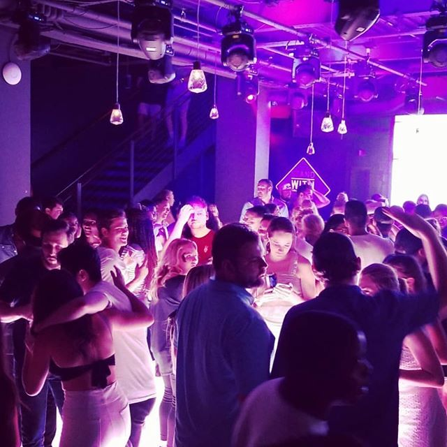 Put on your dancin' shoes!! We've got a dance party on the 5th floor tonight!🕺🏻✨#leddancefloor #nashvilleunderground #5thfloor #repost @hankdirtlip . . . . . #nashville #nashvegas  #nashunderground #sundayfunday #broadway #nash #615 #drinklocal #party #daydrinking #country #honkytonk #htc #honkytonkcentral #explore615 #musiccity #daydrinking #broadwaynashville #downtownnashville #nightclub #lowerbroadway #rooftopparty #nightlife #rooftoplawn