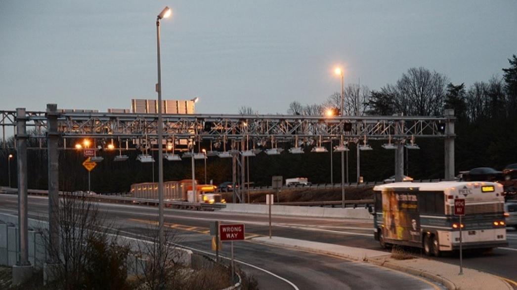 I-95 Gantry Overhead.jpg