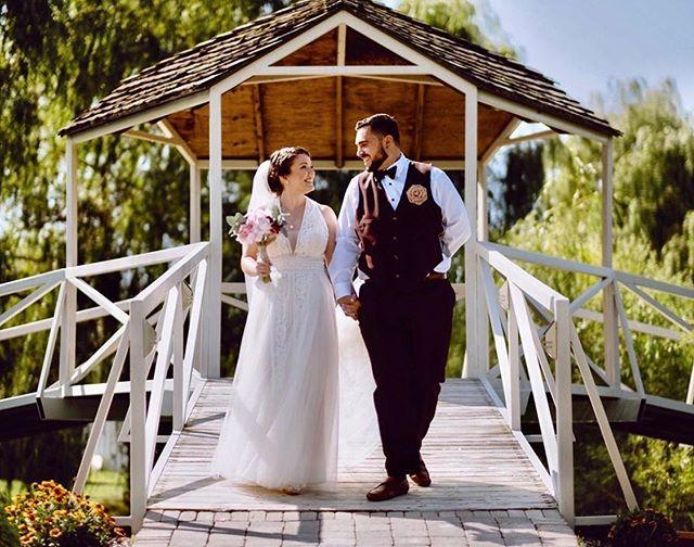 📷: @oscarlaverdephotography Congrats to Rebecca & Yonni! I was honoured to be part of your special day ❤️ • • • #londonontario #londonmua #londonontariomua #mualondontario #naturesoasisretreat #wedding #fingal #ontario #makeup #bridal #weddingseason #bridalmakeup #congrats #oscarlaverde #oscarlaverdephotography #naturesoasis #happycouple #bride #groom #beautiful #mua #makeupartist