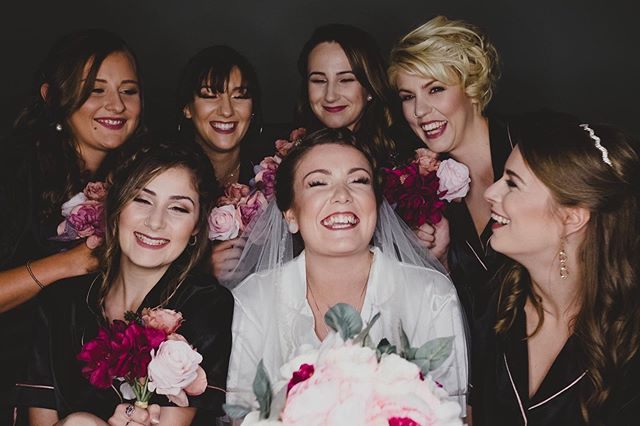 Laughter is infectious ❤️ ◽️◽️◽️◽️◽️◽️◽️◽️◽️◽️◽️◽️◽️◽️◽️◽️ 👰🏻:@rebeccabrooke__ 📸:@oscarlaverdephotography Assisted by: @karbeautybar ◽️◽️◽️◽️◽️◽️◽️◽️◽️◽️◽️◽️◽️◽️◽️◽️ #makeup #mua #makeupartist #ldnon #ldnmua #ldnmakeup #bridal #weddingparty #weddingseason #bridalparty #laughter #smiles #happiness #londonmakeup #mualdn #mualondon #ontario #oscarlaverdephotography #karbeautybar londonmakeupartist #makeupartistlondon #makeupartistlondonontario #makeupartistlondon