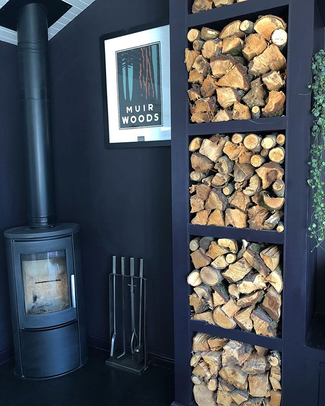 🍂~ A u t u m n a l  N i g h t s ~🍂have you noticed and all of a sudden, how blooming cold the evenings are getting. I sure am ready to light the wood burner 🔥.... Last week I saw a competition #giveaway from @teign_trees who are giving one lucky winner a 1/2 load of logs to keep you warm and toasty on these chilli autumnal evenings so if you live in a 5 mile radius of Teignmouth Devon head over to their page and enter 😬🍂😉👍🏻 #gottabeinittowinit . . . . #warmandcosy #logs #howyouhome #postitandsmile #rockmystylishhome #atmine #mystylishspace #deliciousdarkdecor #mygorgeousgaff #nestandburrow #myhyggehome #howihome #faffthegaff #homereno #finditstyleit #thedelightofdecor #howwedwell #interioraddict #renovationlife #crashbangcolour #cornerofmyhome #beforeandafter #styleithappy #styleitdark #teigntrees