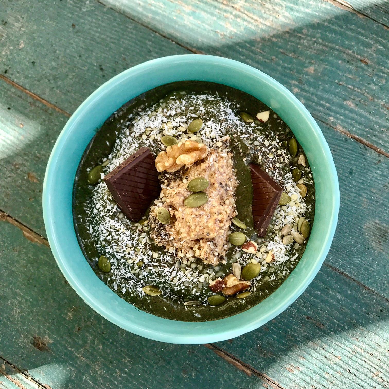 Spirulina smoothie bowl.jpg