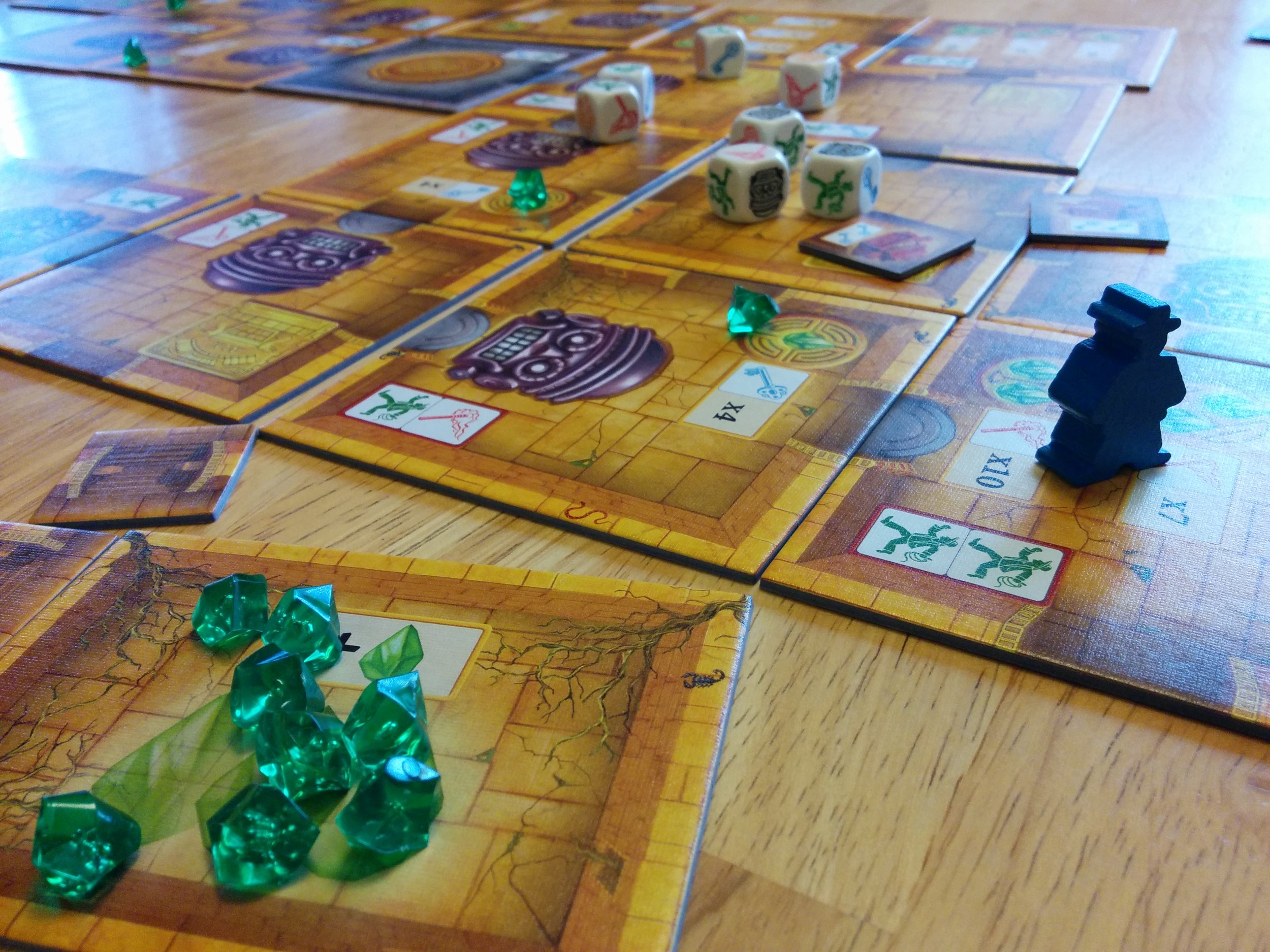Escape: The Curse of the Temple  - A frantic real-time game of dice chucking exploration