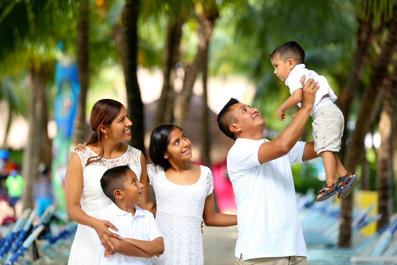 family-2432048w.jpg
