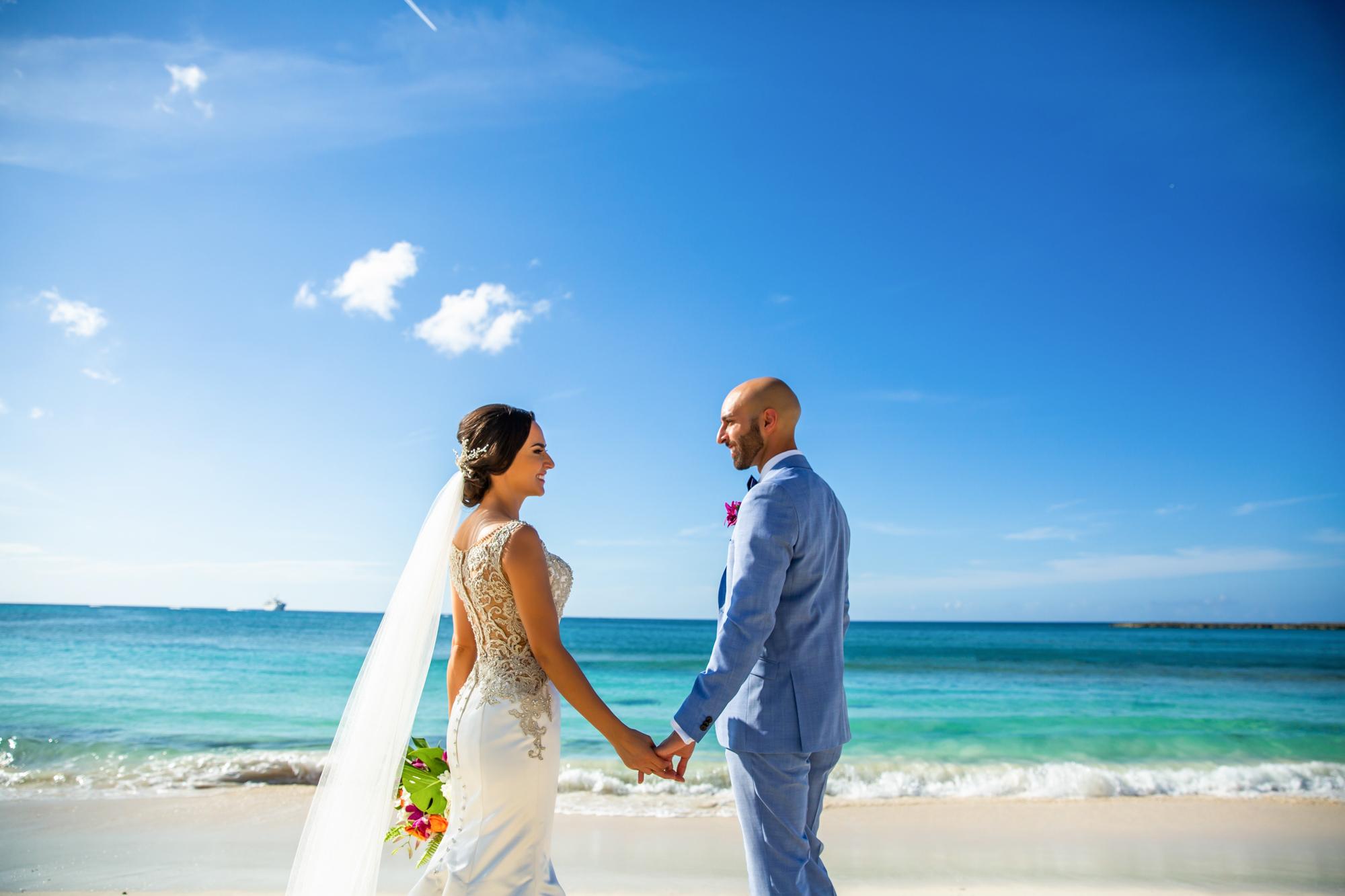 Atlantis_Bahamas_Wedding_011.jpg