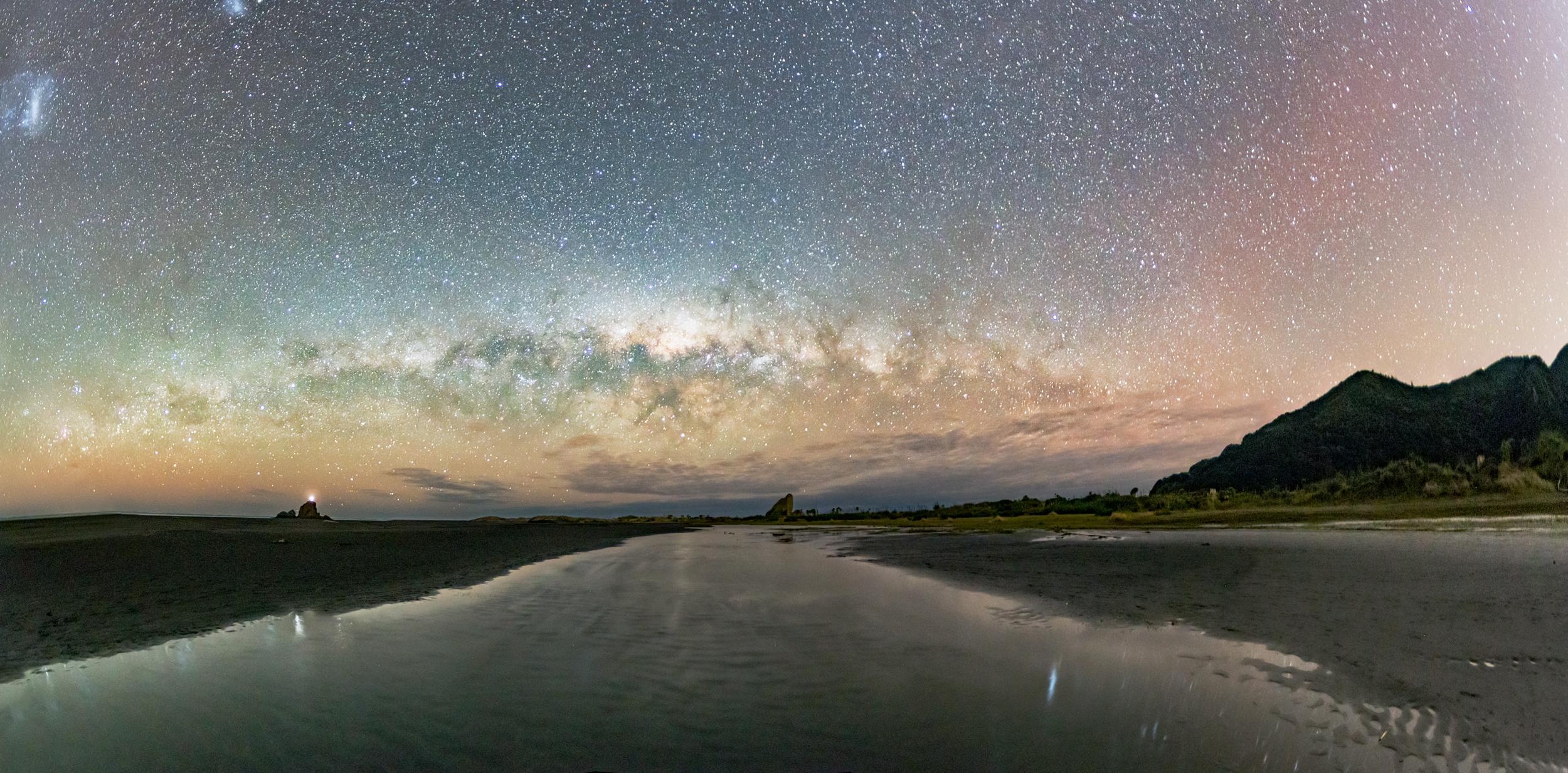 Whatipu Low Horizon Panorama.jpg