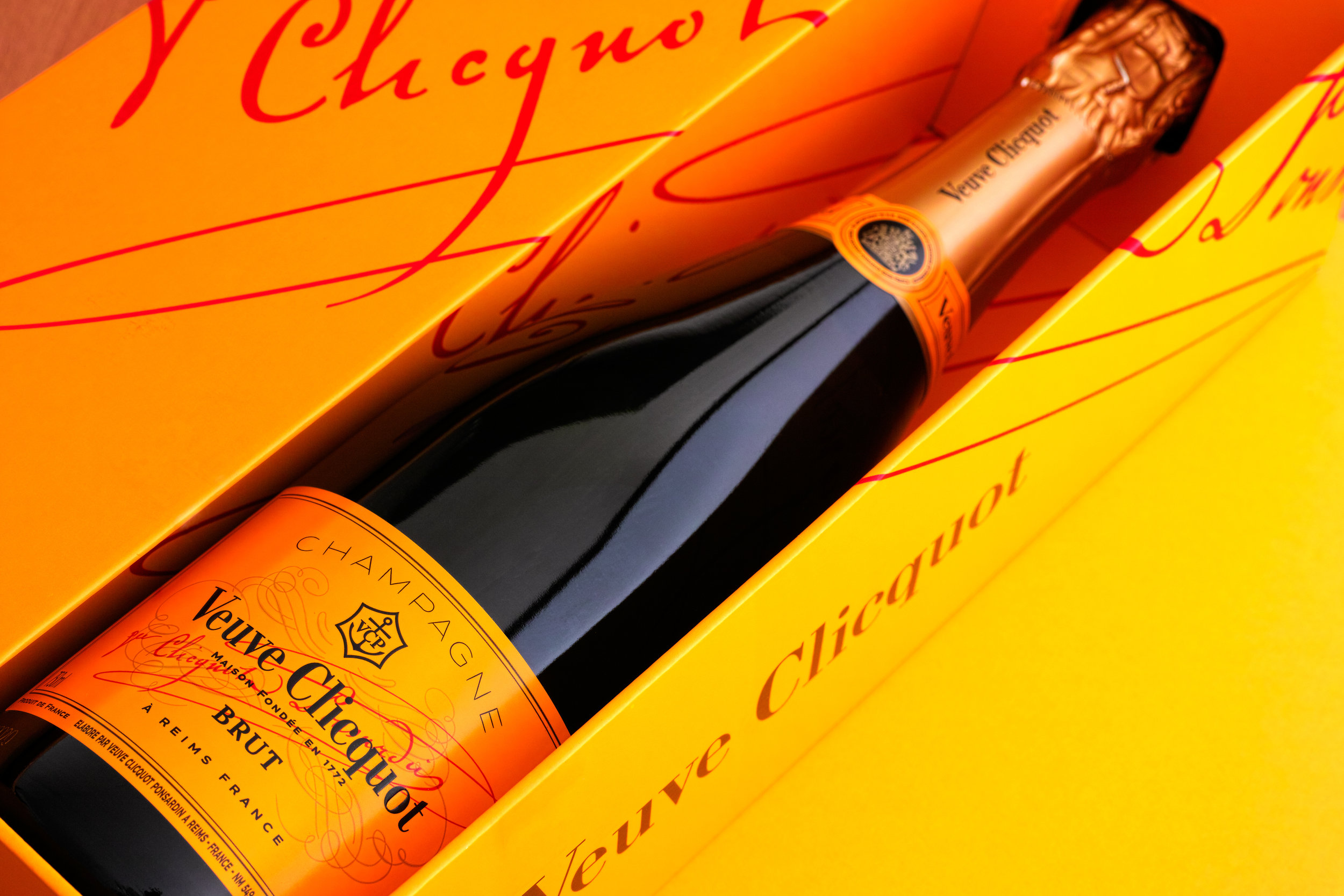 Complimentary Veuve Clicquot on every trip. - Every charter should start with a glass of Champagne. It's our way of saying thank you.