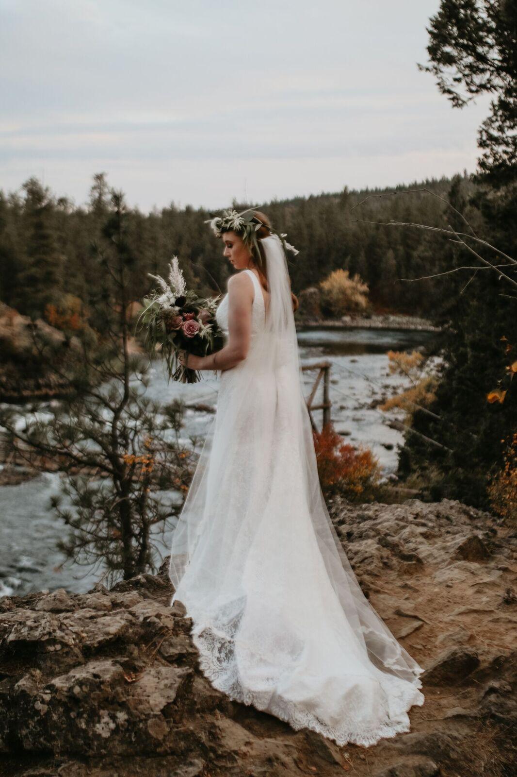 spokane river wedding photo shoot image13