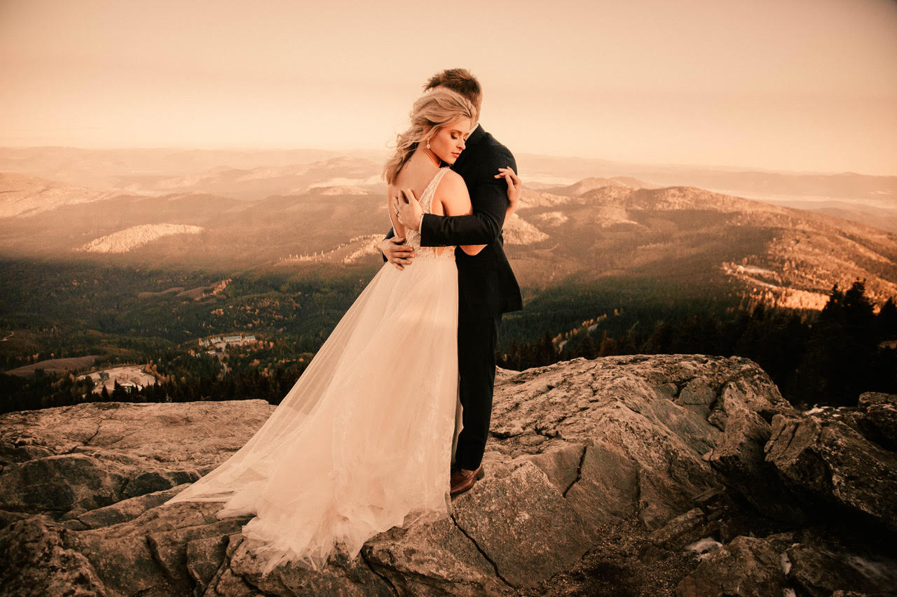 wedding dress at mount spokane image hugging