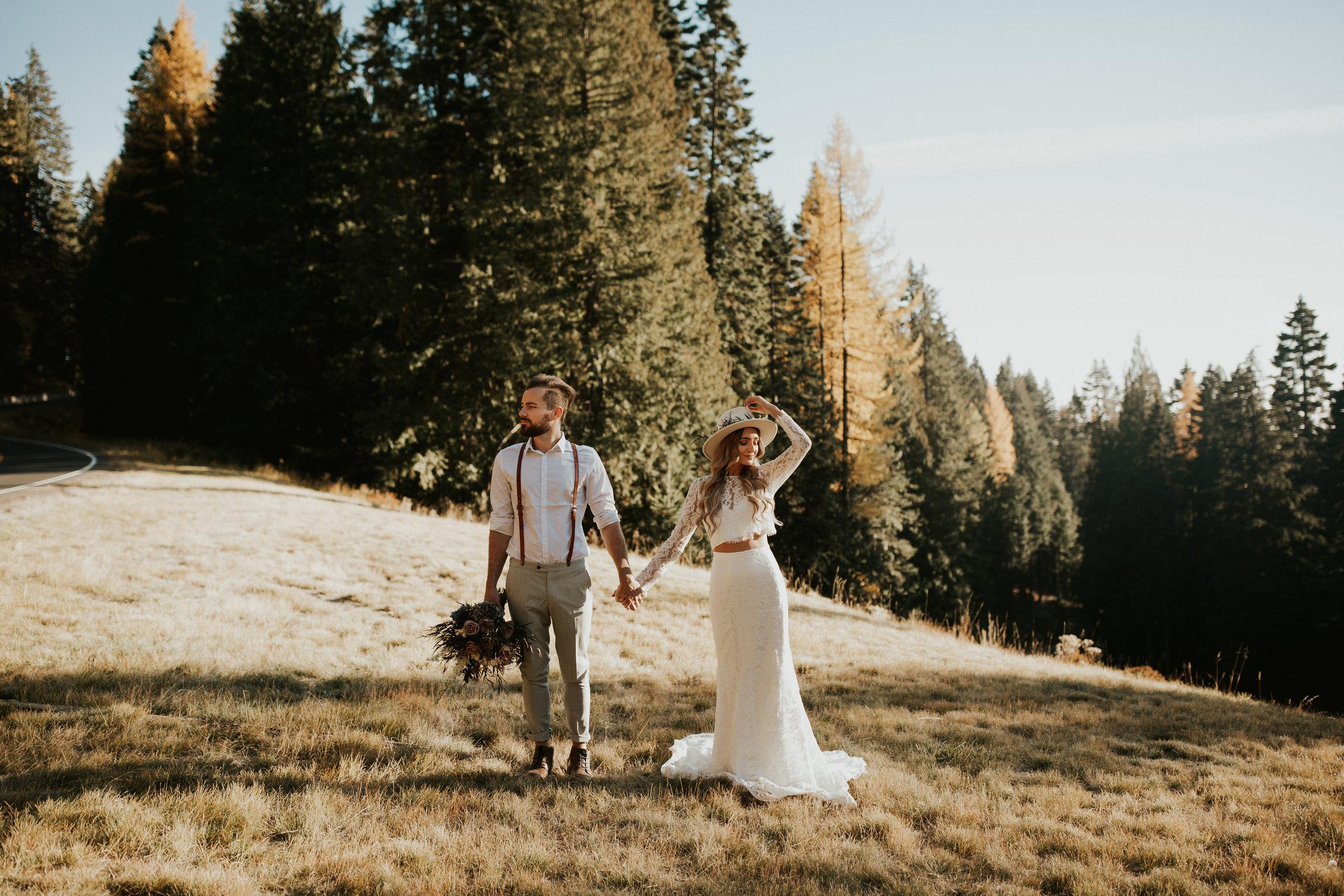 mt Spokane bridal photo shoot on a hill
