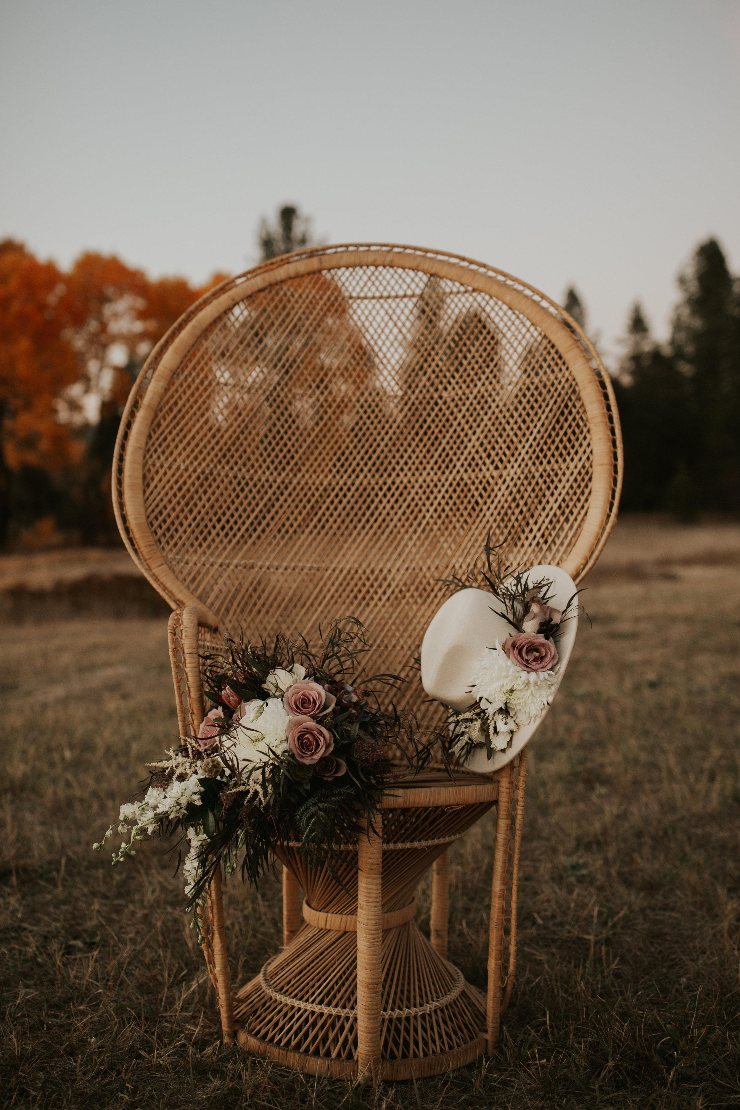 peacock chair bridal photo shoot image spokane