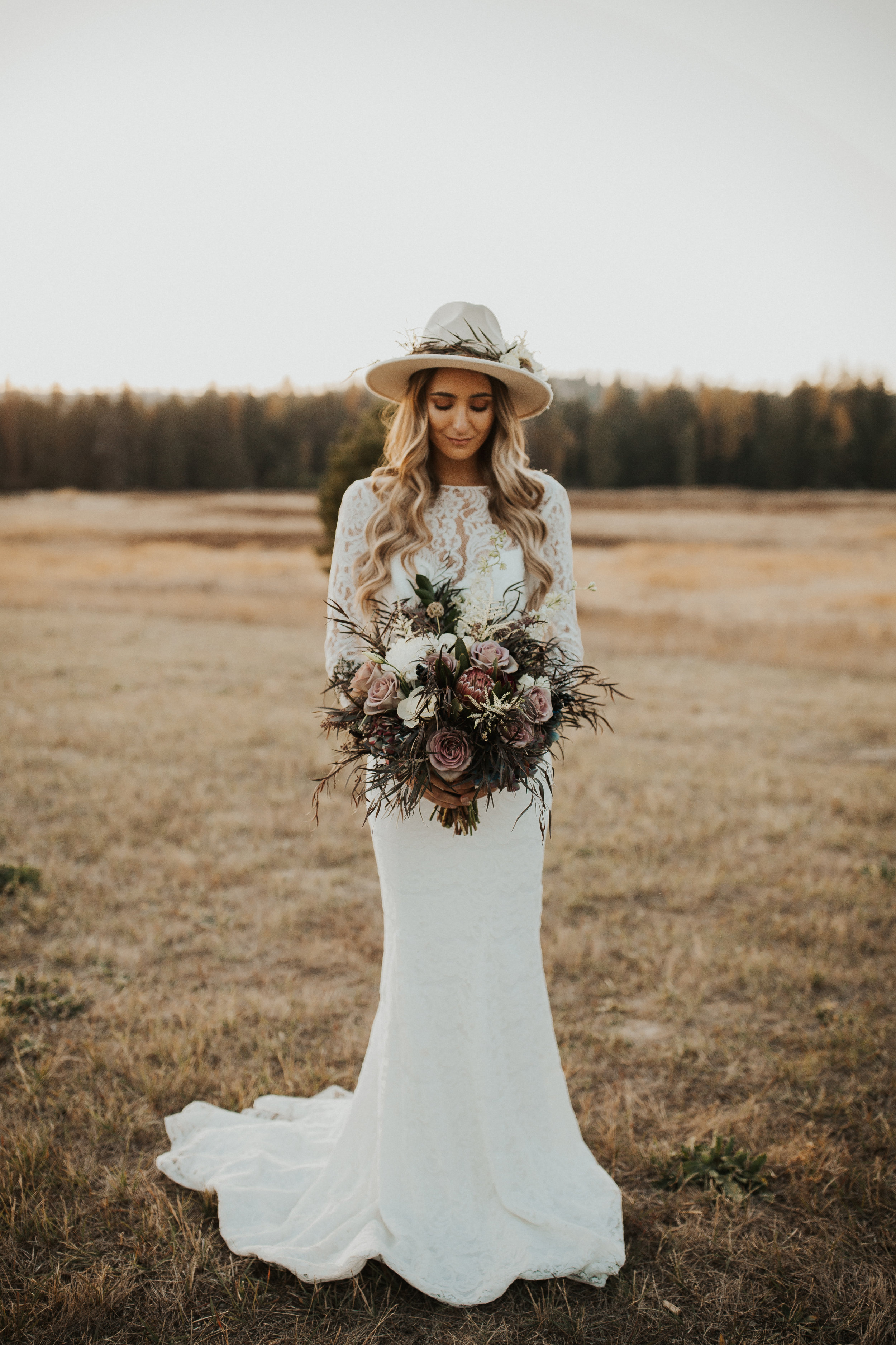 Mt Spokane bridal photoshoot bridal hat