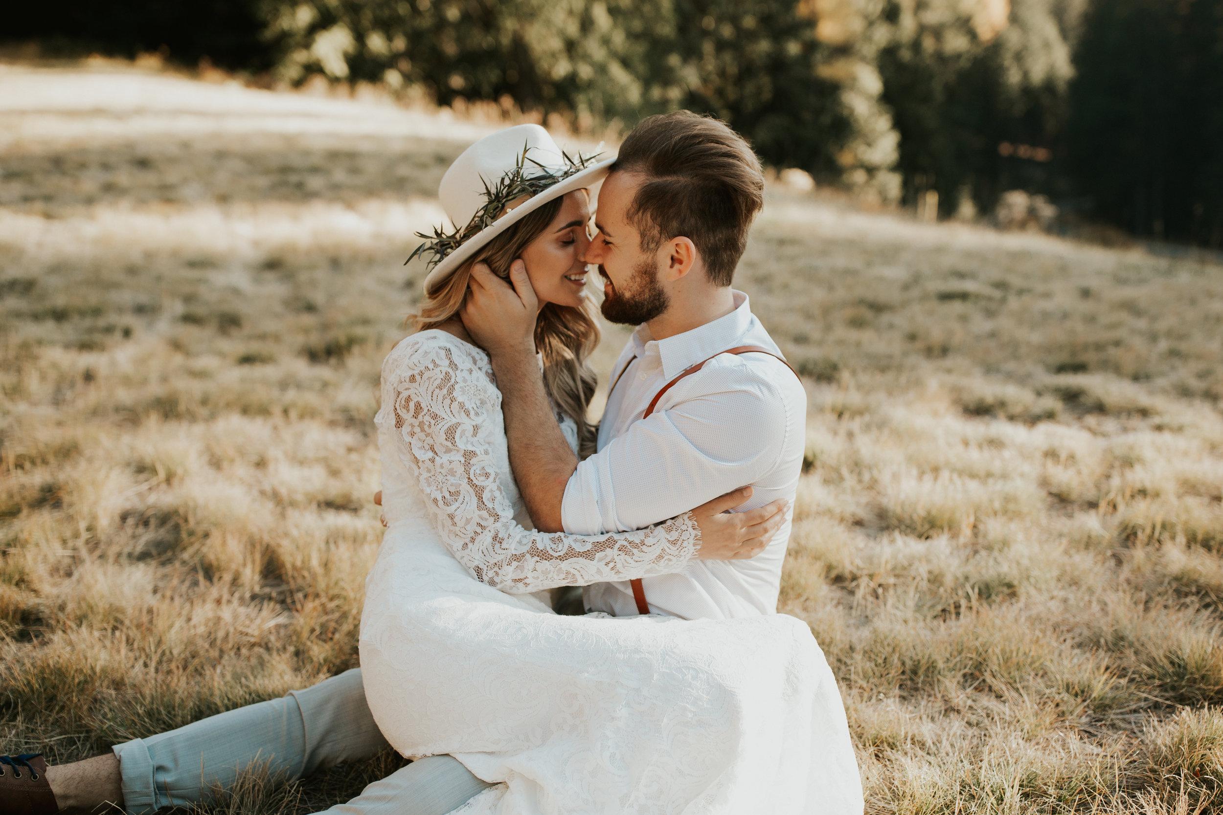 bride and groom kissing spokane photo shoot